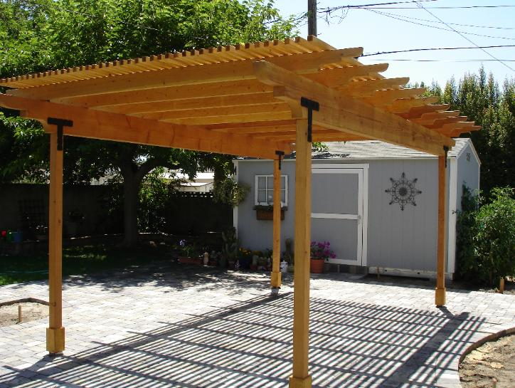 Outside shade structure, a pergula in Burbank, CA